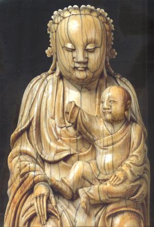 Vierge à l'enfant, Province de Fujian, Chine, Dynastie Ming,Musée de l'Ermitage Saint Petersbourg